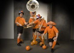 Dixie Oranje Sportfans TopActs 1