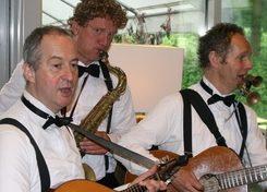 Muzikaal Trio Paratata (zwartwit) TopActs 1
