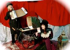 Family Dickens acccordeon en waarzegster - TopActs.nl - 246-176