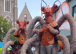 Straattheater - Mobiele Act Insectara - TopActs.nl - 246-176