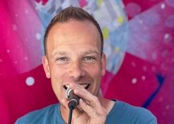 Kinder DJ Dennis - TopActs.nl - 246-176